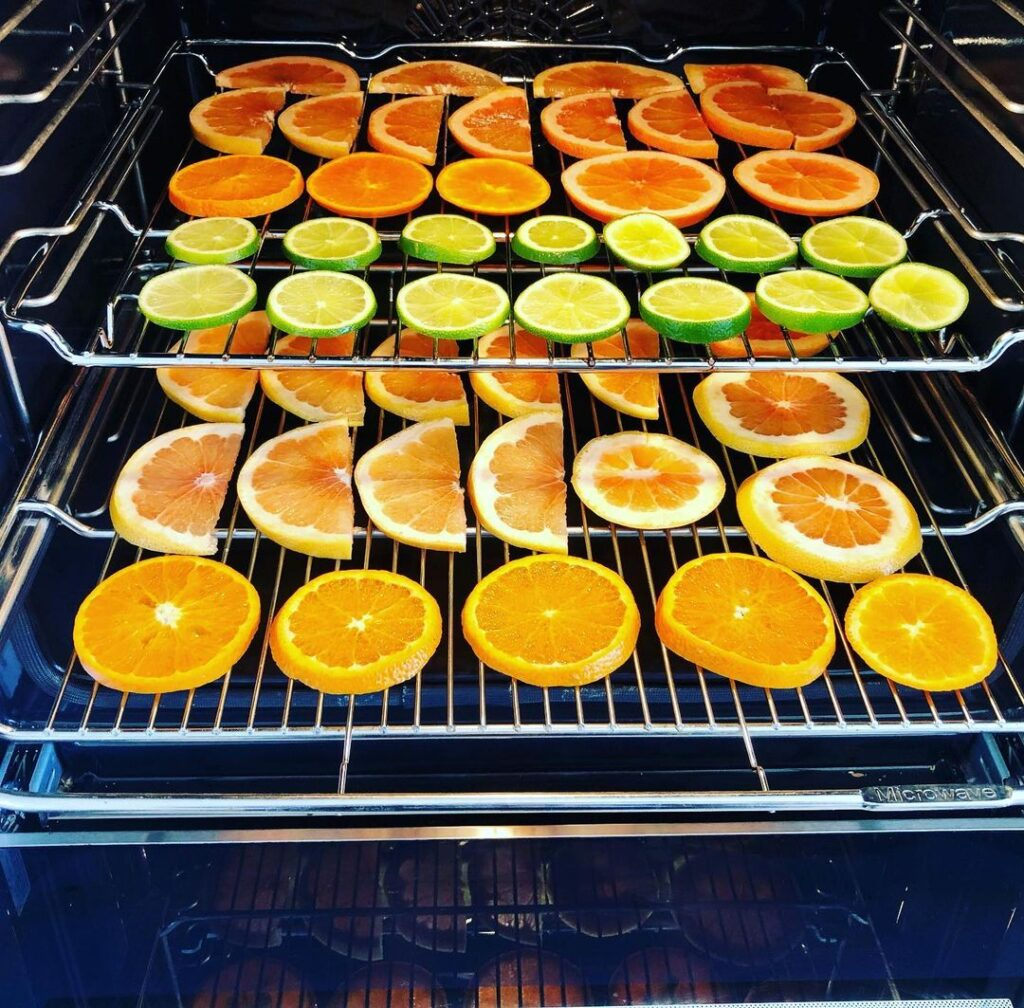 baking orange slices for christmas decorations